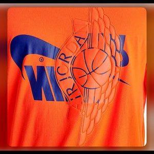 Men's Nike Futura wings T-shirt NWT